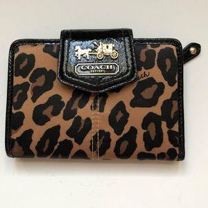 Coach leopard sm wallet
